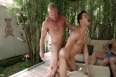 Daddy bonks twink while friends Watch<three